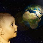 宇宙は地球が作っている?